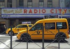 Zend de Zaal van de Muziek van de Stad via de radio uit Stock Foto's