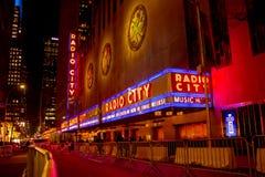 Zend de Zaal van de Muziek van de Stad via de radio uit stock fotografie