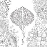 Zendoodle de la natation de pastenague parmi de beaux coraux sous le monde de l'eau pour les pages adultes de livre de coloriage  illustration stock