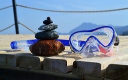 ZENES Stone y máscara que se zambulle imagen de archivo libre de regalías