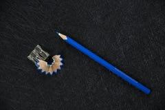 Zensieren Sie Bleistiftspitzer und geschärften Abfall lizenzfreies stockbild