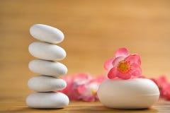 Zenstein und aromatischer Seifenstab Stockbild