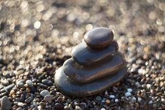 Zenstenen op grint, symbool van boeddhisme royalty-vrije stock foto