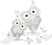Zentangle传统化了黑白两头猫头鹰坐树枝,手拉,传染媒介 免版税库存图片