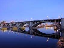 Zentrale Alleen-Brücke Stockbilder