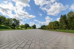 Zentrale Gasse der komplexen Brest-Erinnerungsfestung Stockfotografie