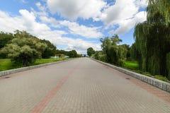 Zentrale Gasse der komplexen Brest-Erinnerungsfestung Stockfoto