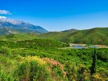 Zentrale Griechenland-Landschaft mit der Ansicht, zum von Parnassus, Griechenland anzubringen stockfoto