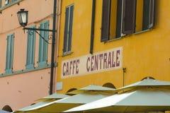 Zentrale Kaffeestube in Italien stockfotos