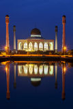 Zentrale Moschee schön auf blauem Himmel des Sonnenuntergangs, Hatyai, Songkhla stockbild