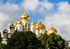 Zentrale Straße des Flussufers, Moskau Lizenzfreie Stockfotos