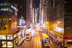 Zentrale Straße DES Voeux nachts, Hong Kong Lizenzfreies Stockbild