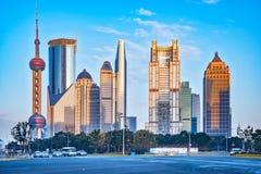 Zentrale Straßen von Shanghai-Stadt morgens Stockbild