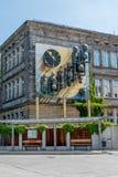 Zentraler Busbahnhof Bayreuths - Glockenspiel Stockfotografie