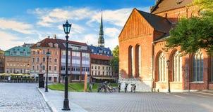 Zentraler Platz in altem Riga, Lettland lizenzfreies stockfoto