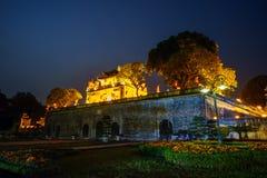 Zentraler Sektor der Kaiserzitadelle von Thang lang, der kulturelle Komplex, der die königliche Einschließung zuerst errichtet wä stockfotografie