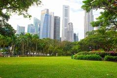 Zentrales Geschäftsgebiet Singapurs und Esplanade-Park Stockfotografie