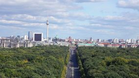 Zentralregion von Berlin von einer Aussichtsplattform stock footage