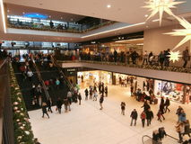 Zentrum Galerie-Einkaufszentrum in Dresden, Deutschland (2013-12-07) Lizenzfreie Stockfotos