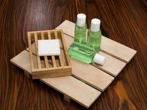 Zepen in het bad van het hotel stock fotografie