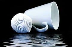 Zephyr e tazza bianca Fotografia Stock