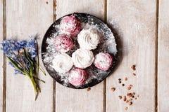 zephyr Färgrika sötsaker på tabellcloseupen Royaltyfria Bilder