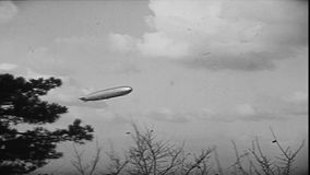 Zeppelin D-LZ127, der über Budapest-Teil #01 fliegt stock footage