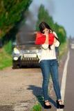 zepsuta dziewczyna samochodów Zdjęcia Royalty Free