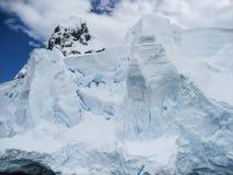 Zerbröckelnder Eisberg in der Antarktis Lizenzfreie Stockfotos