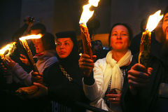 Zeremonie des heiligen Feuerwunders Stockbilder