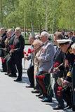 Zeremonie des Legens von Blumen zum Grabmal des unbekannten Soldaten Lizenzfreie Stockfotos