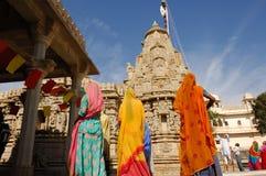 Zeremonie Jain am Ranakpur Tempel. Lizenzfreies Stockbild