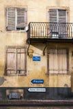 Zerfallfassade Stockbild