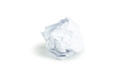 Zerknitterter Papierball lokalisiert auf einem Weiß Lizenzfreie Stockfotos