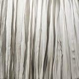 Zerknitterter weißer Vorhang lizenzfreies stockbild