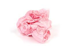 Zerknittertes Packpapier in einem Ball auf Weiß Lizenzfreies Stockfoto