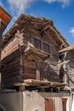 ZERMATT SZWAJCARIA, PAŹDZIERNIK, - 27, 2015: Jesień widok Zermatt kurort, kanton Valais Zdjęcie Stock