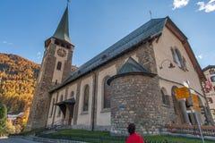 ZERMATT SZWAJCARIA, PAŹDZIERNIK, - 27, 2015: Jesień widok Zermatt kurort, kanton Valais Obrazy Stock
