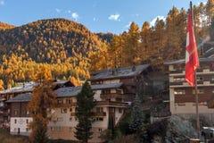 ZERMATT SZWAJCARIA, PAŹDZIERNIK, - 27, 2015: Zadziwiający widok Zermatt kurort, kanton Valais Zdjęcia Royalty Free