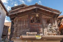 ZERMATT SZWAJCARIA, PAŹDZIERNIK, - 27, 2015: Zadziwiający widok Zermatt kurort, kanton Valais Obraz Stock