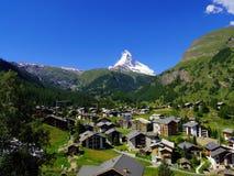 Zermatt Zwitserland, groene stad stock foto