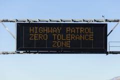 Zero Tolerancji autostrady znak Zdjęcie Stock
