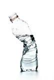 Zerquetschte Flasche Wasser Lizenzfreie Stockfotos