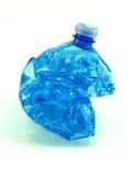 Zerquetschte Plastikflasche lokalisiert Lizenzfreie Stockfotografie