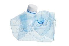 Zerquetschte Plastikwasserflasche Stockfotos