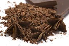 Zerriebene Schokolade mit Anis Stockfoto