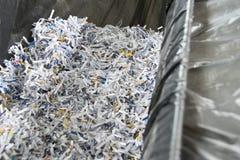 Zerrissene Papiere stockbilder