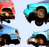 Zerschmetterte Autos, die repai warten Stockfotos