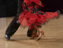 Zersplittern Sie Foto von Flamencotänzern, nur Beine ernteten, paso doppelte Tänzer, spanisch stockbilder