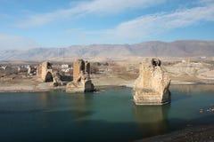 Zerstörte Brücke auf dem Fluss Tigris Stockfotos